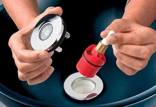 Bonde et siphon de lavabo ultra compact NANO 6.7 démonté